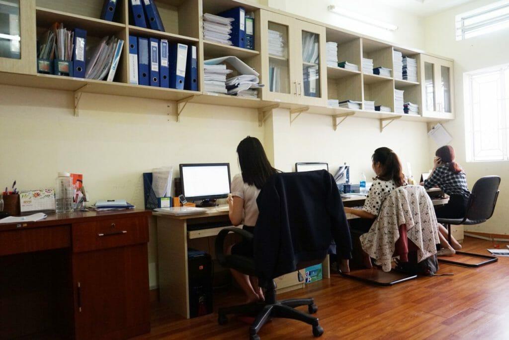 Can-bo-cong-nhan-vien-qcvn-04-1024x683