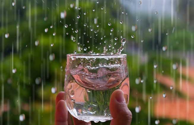 Làm sao để sử dụng nước mưa đúng cách để không gây nguy hại cho sức khỏe?
