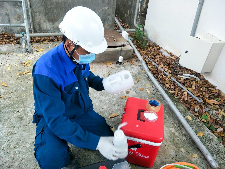 Khử trùng thiết bị lấy mẫu nước Giếng