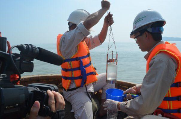 Tổng quan về việc lấy mẫu nước trong quan trắc nước lục địa